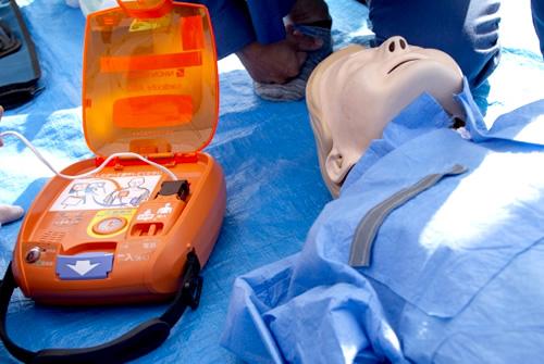 AED使用に伴う危険について